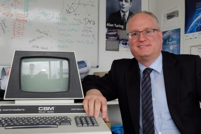 Portrait von Prof. Dr. Brune, dem Initiator des IT-Kongress